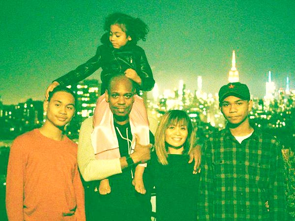 Image of Elaine Chappelle with her husband Dave Chappelle and with their kids Sonal Chappelle (daughter) Sulayman Chappelle and Ibrahim Chappelle (sons)
