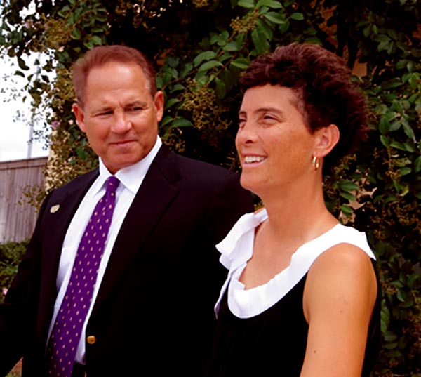 Image of Smile Says It All--Les Miles looking Affectionately towards his Wife Kathy Miles