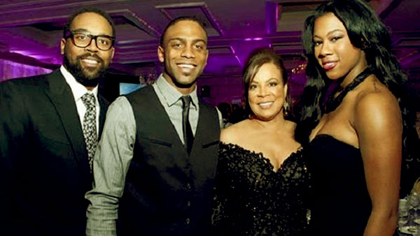 Image of Caption: Juanita Vanoy with her kids Jeffrey, Marcus (son) and Jasmine Jordan (daughter)