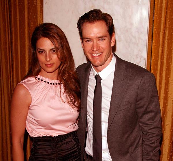 Image of Mark-Paul Gosselaar with his ex-wife Lisa Ann Russell