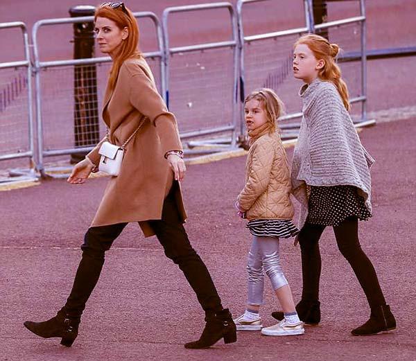 Image of Sarah Rafferty with her daughter Iris and Oona Gray Seppala
