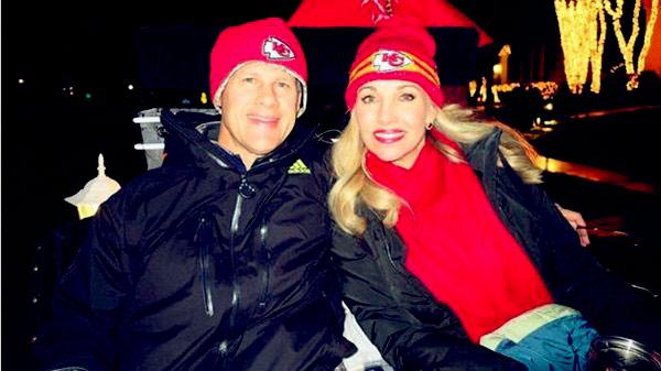 Image of Tavia Hunt with her husband Clark Hunt