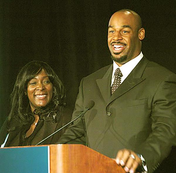 Image of Raquel Nurse with her husband Donovan McNabb
