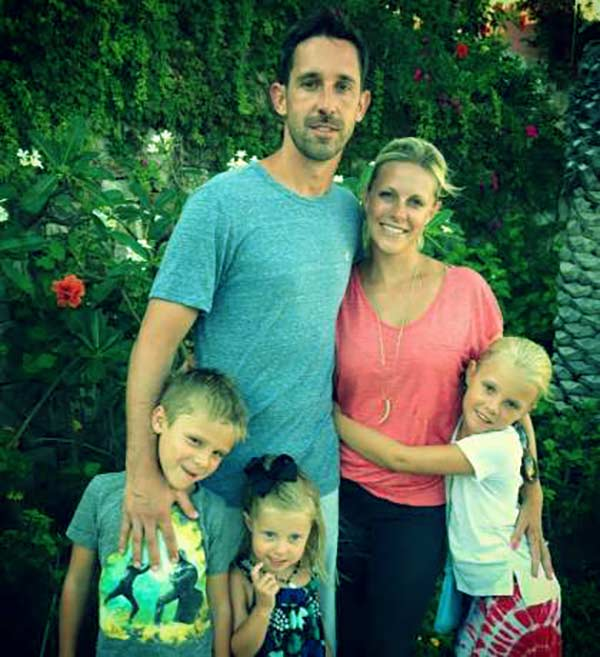 Image of Mandy Shanahan with her husband Kyle with their kids