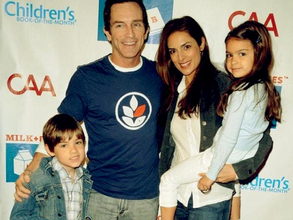 Image of Lisa Ann Russell with husband Jeff and two kids Lachlyn Hope and Dekker Edward