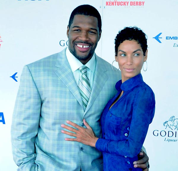 Image of Michael Strahan engaged with Nicole Mitchelle