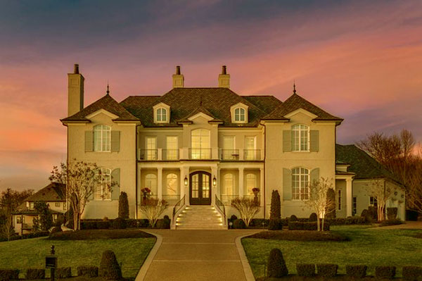 Image of Julie Chrisley and her husband Todd mansion in Tennessee