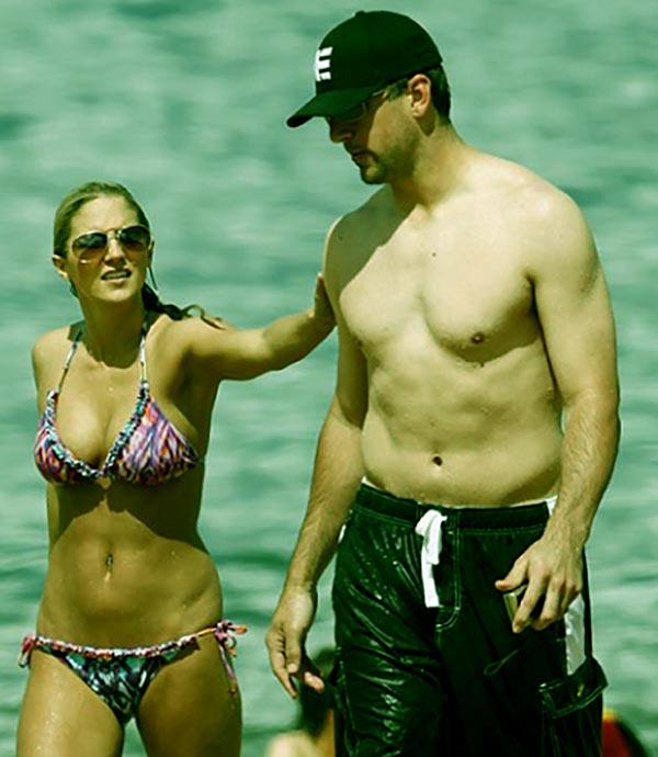 Image of Destiny Newton with her boyfriend Aaron Rodgers